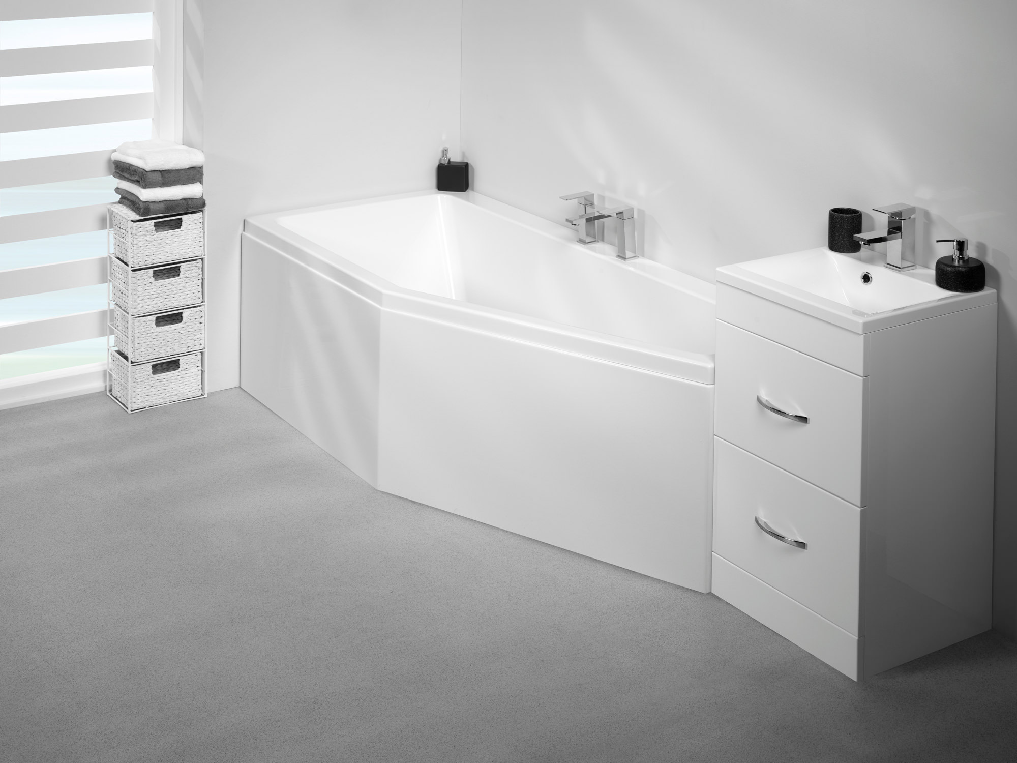 Carron Quantum Space Saver 5mm Acrylic Rh Bath 1700 X 750mm