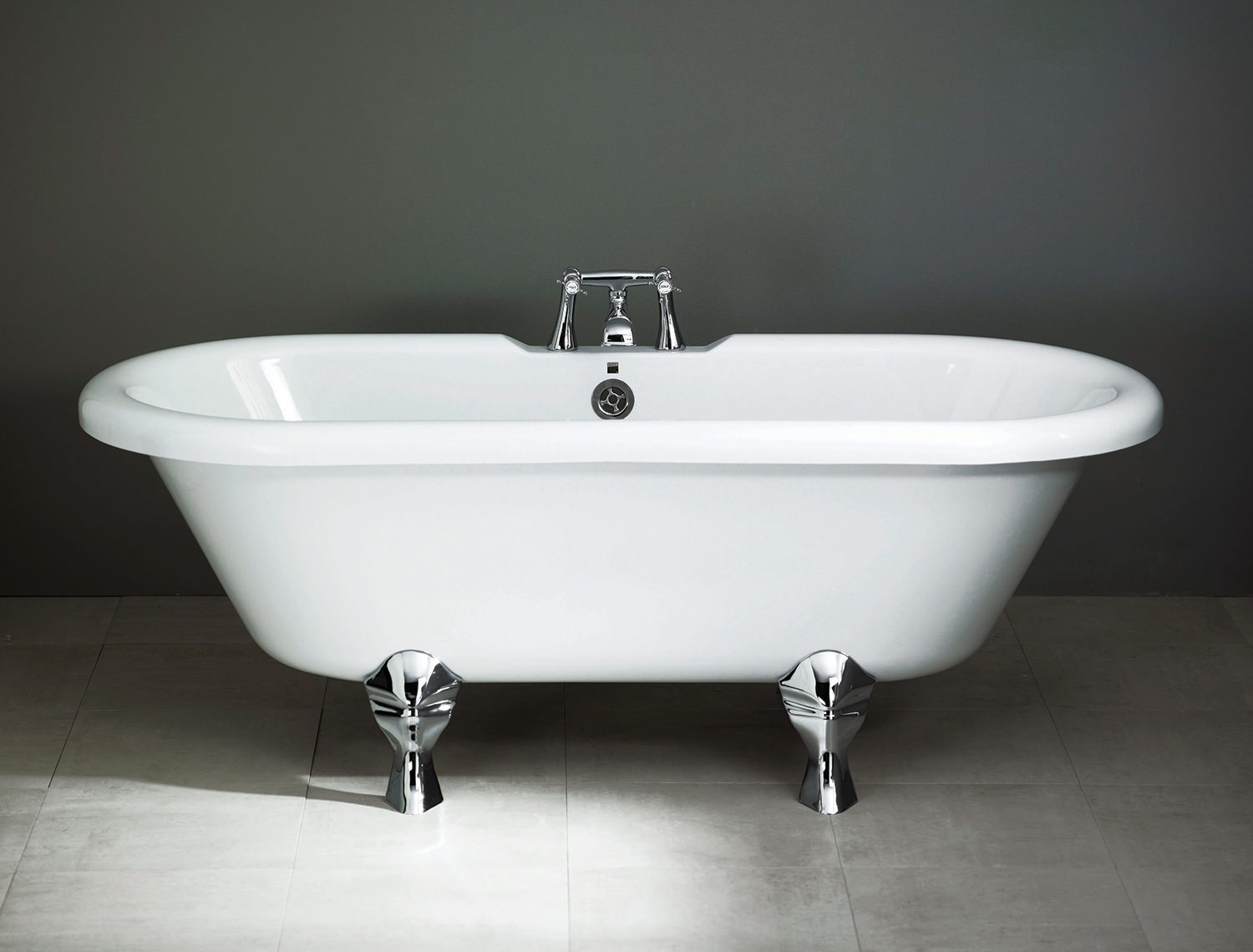 brand new aquadart attacama 1700mm double ended roll top bath tub
