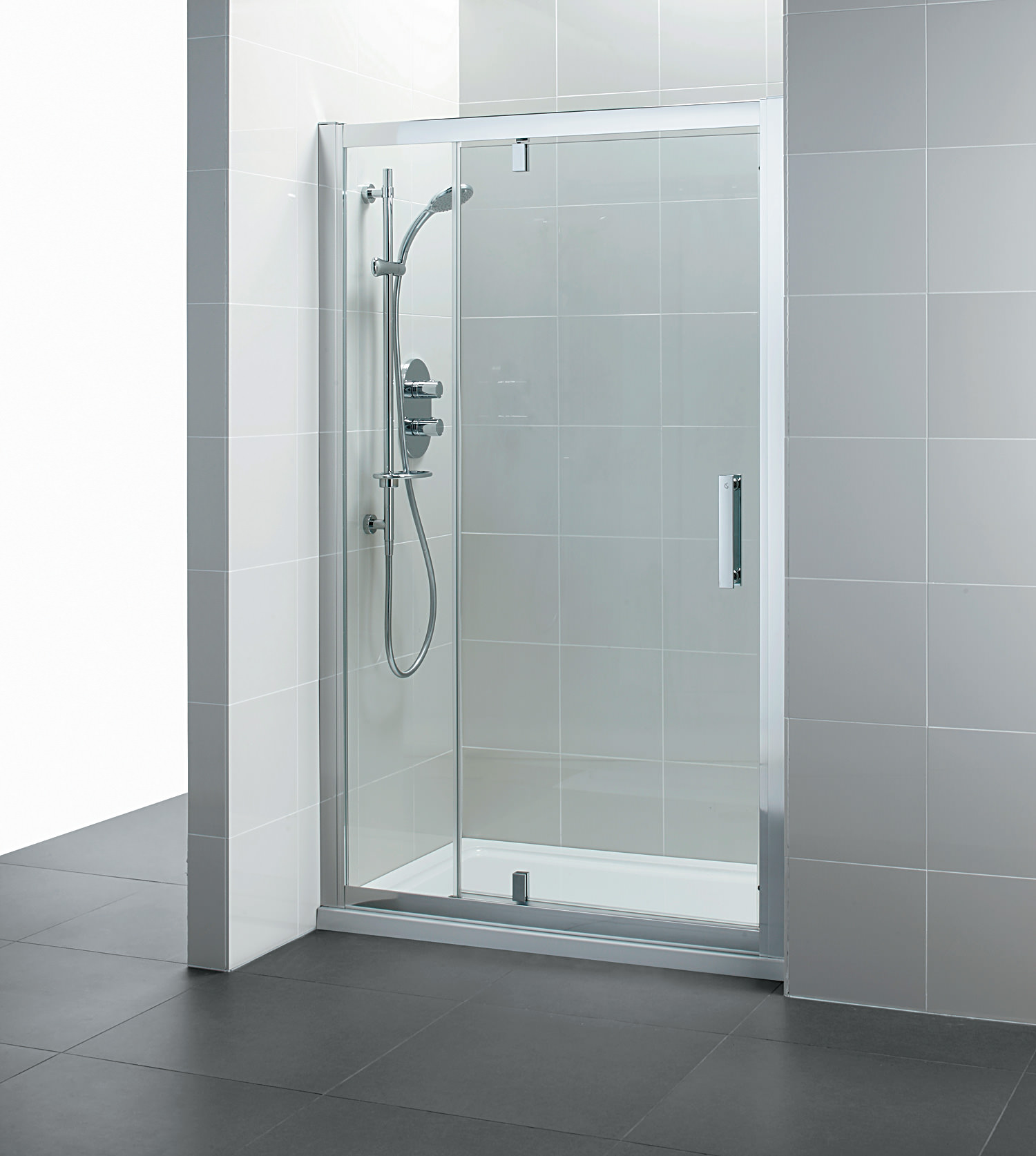 Ideal Standard Synergy 1200mm Pivot Shower Door And Inline